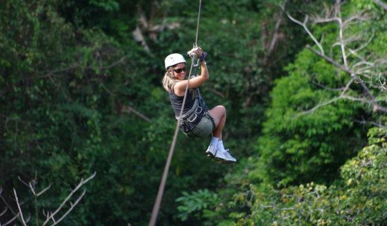 https://costaricawaterfalltours.com/wp-content/uploads/2015/10/IMGP70231-559x327.jpg