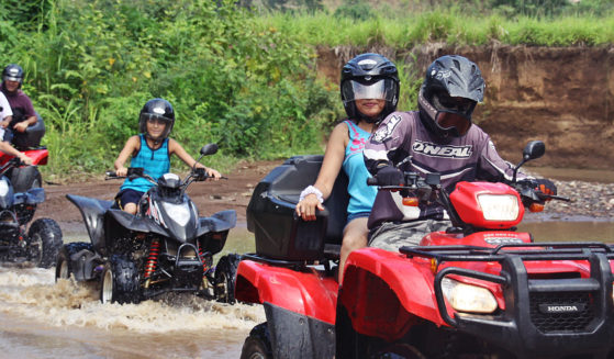 https://costaricawaterfalltours.com/wp-content/uploads/2015/10/atvs-559x327.jpg