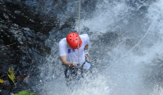 https://costaricawaterfalltours.com/wp-content/uploads/2019/03/Jaco-canyoning-adventure-4-559x327.jpg
